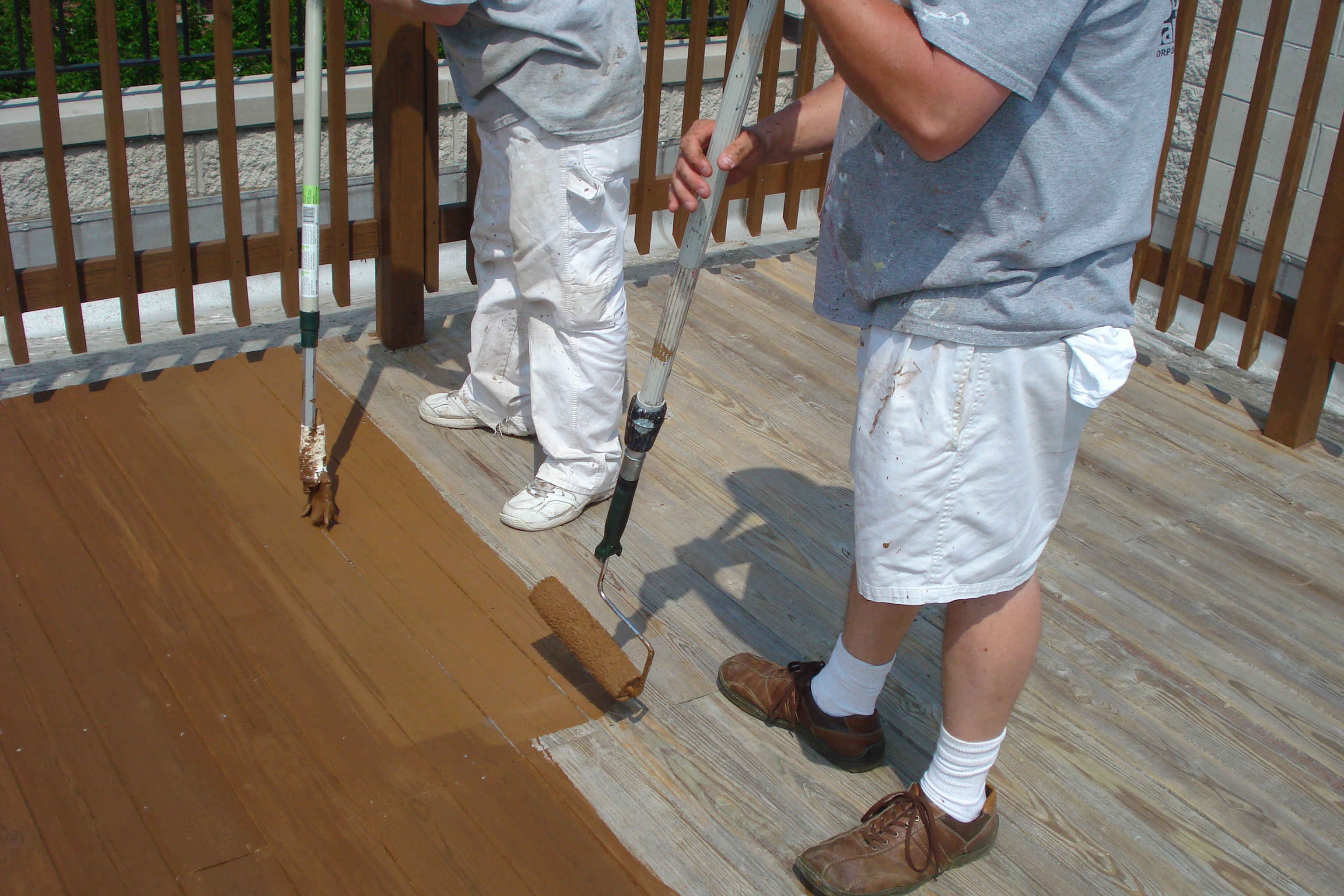 Deck Stripping & Deck Staining--Aardvark Painting inc--Rooftop Deck staining Chicago