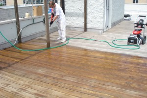 Pressure washing A Rooftop Deck in Chicago-Lincoln Park   Aardvark Painting Inc